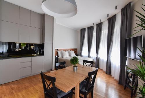 Karlo Main Square Apartments, Pension in Zagreb