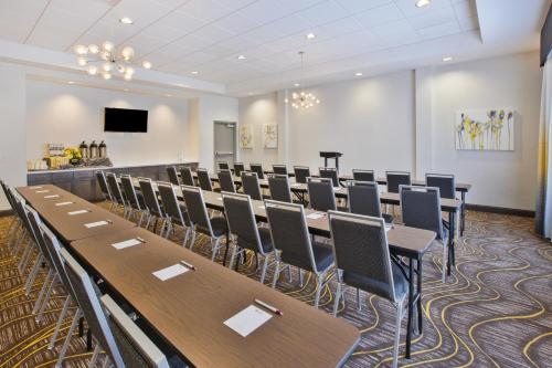 Best Western Plus Cranberry-Pittsburgh North - Cranberry Township, PA 16066