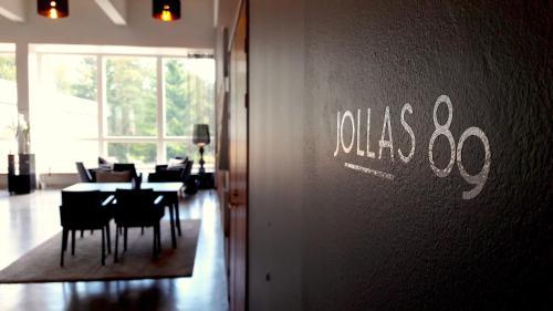 . Hotel Jollas89