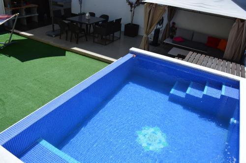 Jose & Ester House, Hotel in Almada bei Lagoa de Albufeira