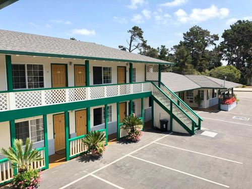 Monterey Pines Inn - Monterey, CA CA 93940