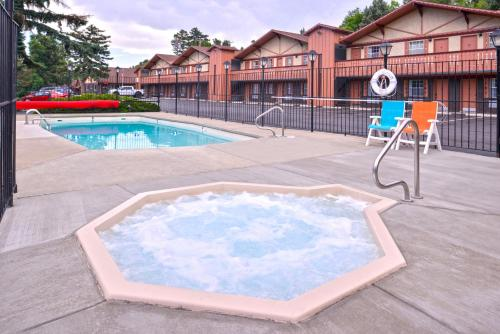 Americas Best Value Inn Villa Motel - Manitou Springs, CO 80829