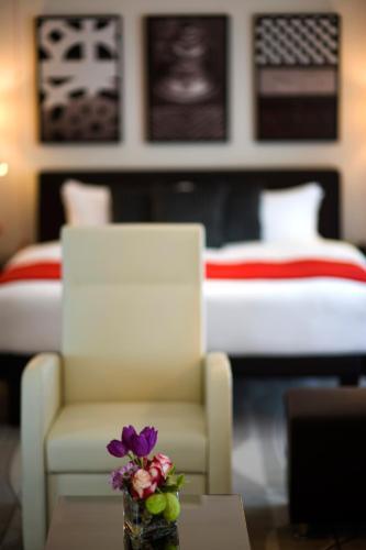 Staybridge Suites Yas Island Abu Dhabi room photos