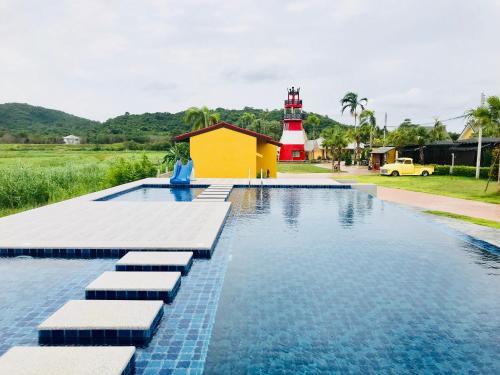Apinya Resort Bangsaray