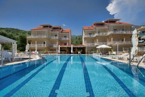 . Elena Hotel