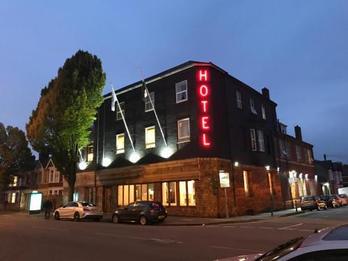 Victoria Hotel, Newport