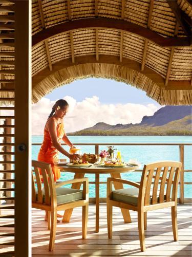 Bora Bora, 98730 Motu Tofari, French Polynesia.
