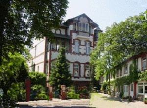 ApartHotel Landhaus Lichterfelde (B&B)
