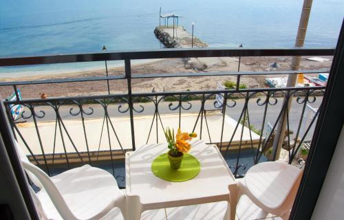 Фото отеля Riviera Beach Hotel