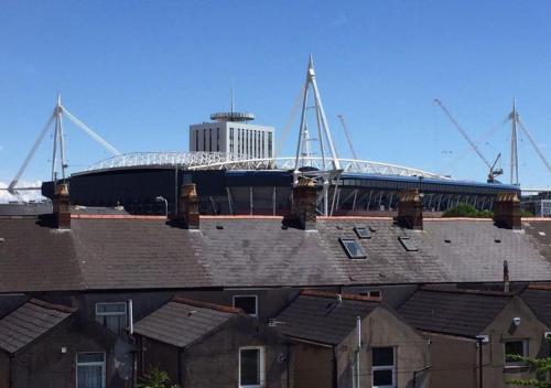 Glan yr Afon Cardiff Townhouse Foto 8