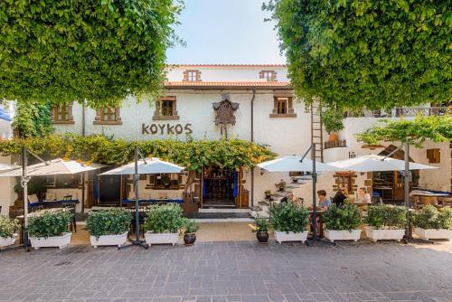Nikiforou Mandilara 22, 85100, Rhodes, Greece.