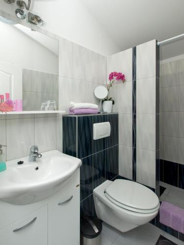 Villa Toni Design Apartments - image 3