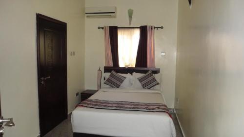 Aden 360 room photos