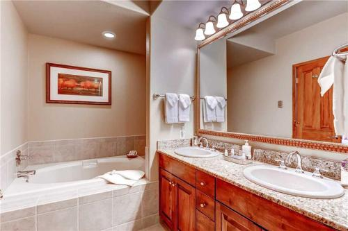 Invitingly Furnished 4 Bedroom - Christie Club 316 - Steamboat Springs, CO 80487