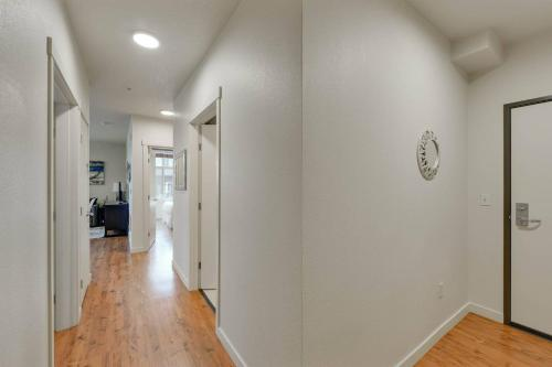 Large And Airy 2 Br/1ba