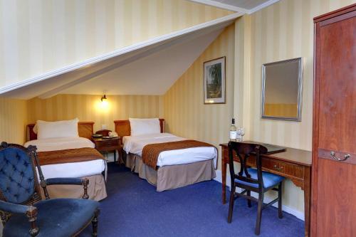 Best Western Swiss Cottage Hotel - image 3