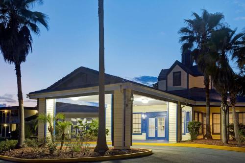 . Days Inn by Wyndham Kissimmee FL