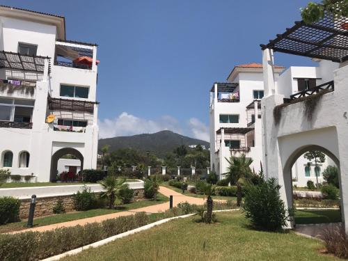 Boasting Accommodation With A Terrace Maha Beach Resort Cabo Is Located In This Apartment Features Garden