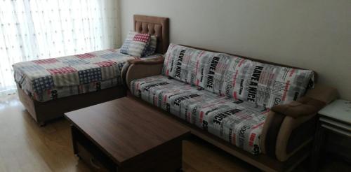 Istanbul Rouf-Studio ulaşım