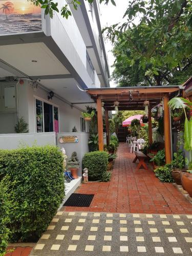 Chanit Aum Guesthouse