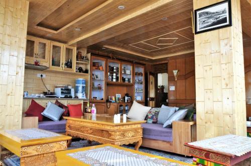 . Laksdup Guest House