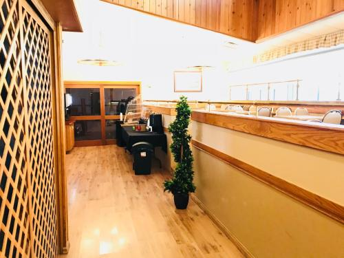 Northern Star Hotel & Convention Center - Slave Lake, AB T0G 2A0