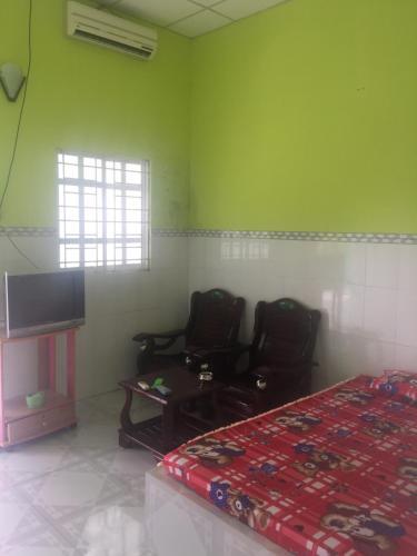 Quang Thoi Motel, Mỏ Cày