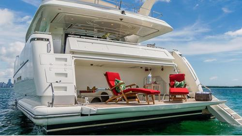 book Gulluk Ferretti Flybridge