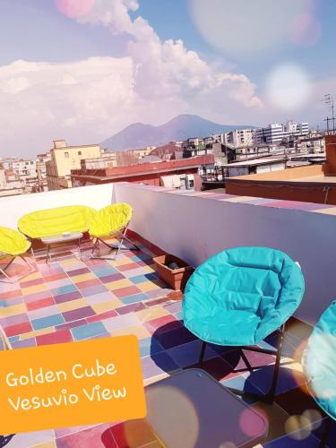 GoldenCube Vesuvio View