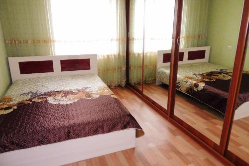 Apartment Voroshilova 10