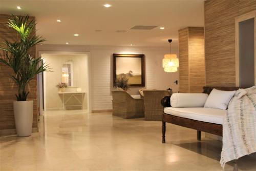 Apartahotel mediterraneo sitges sitges desde 140 rumbo - Apartamentos mediterraneo sitges ...