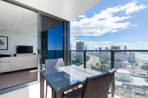 Bonus Offer - One Bedroom Apartment with Ocean View (No housekeeping) and SkyPoint Access