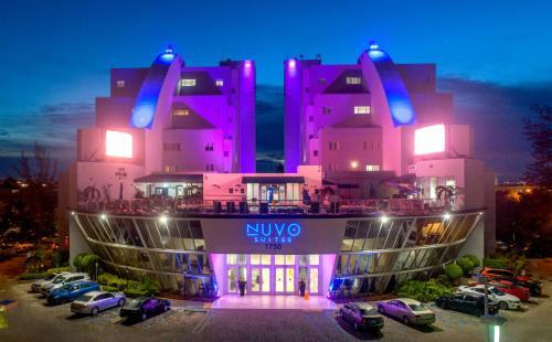 . Nuvo Suites Hotel - Miami / Doral