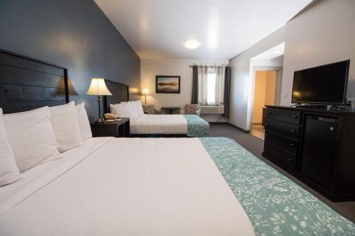 Roadhouse 52 Inn & Suites - Steinbach, MB R5G 0X7