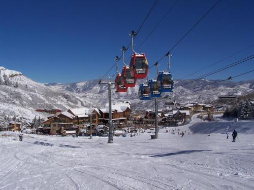 Condo #102 Shadowbrook - Snowmass Village, CO 81611