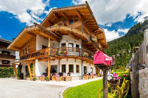 Chalet Vites Mountain Hotel Canazei