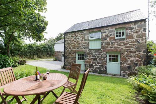 Higher Tregidden Cottages, Manaccan, Cornwall