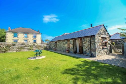 Manor Arvor, St Keverne, Cornwall
