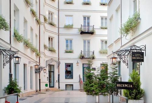 Residence St Andrews Palace Hotel Review Warsaw Poland Travel - Smart-modern-residence-in-poland