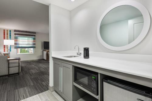 Hampton Inn & Suites Atlanta Buckhead Place Ga