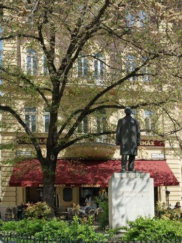 Gerlóczy utca 1., Budapest, 1052, Hungary.