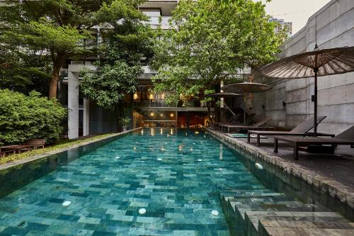 82/8 Soi Laungsuan, Lumphini, Prathumwan, Bangkok, 10330, Thailand.