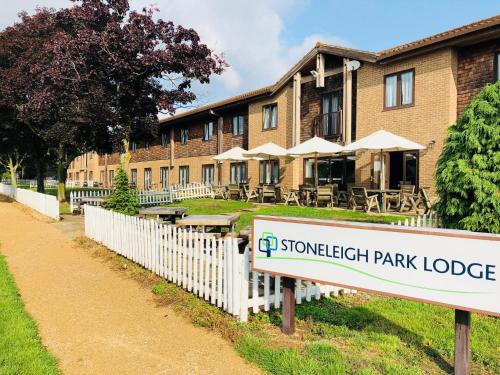 Stoneleigh Park Lodge, Leamington Spa