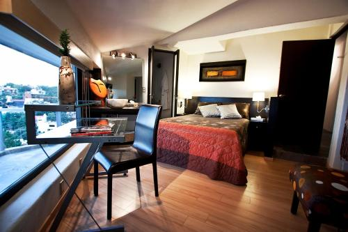 Hotel Aztic Hotel and Executive Suites