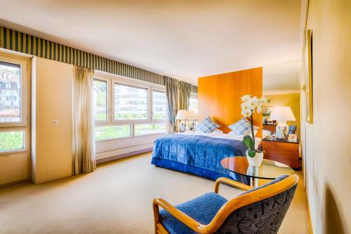 Superior Double Room with City and Mountain View