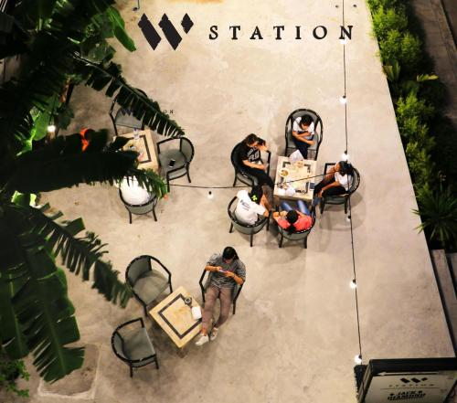 W Station photo 43