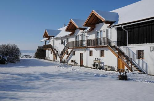 . Geinberg Suites & Via Nova Lodges