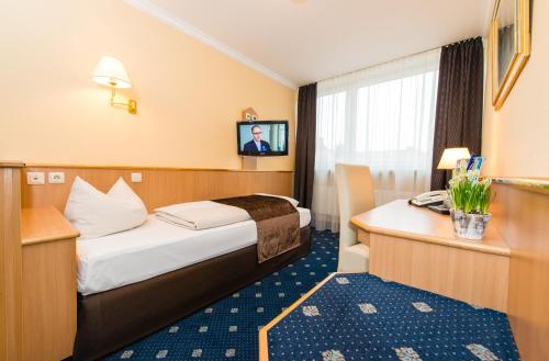 Hotel Royal photo 2