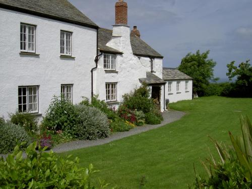 Lower Tresmorn Farmhouse, Widemouth Bay, Cornwall
