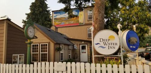 . Deep Water Inn